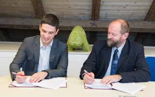 SUSE a strategic partner of the Faculty of Mathematics and Physics